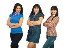 三名美丽的妇女行  免版税库存照片