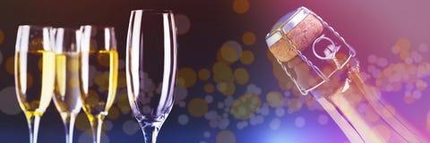 三块充分的玻璃的综合图象空的香槟和一个 免版税库存图片