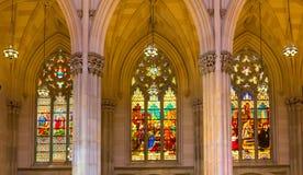 三块彩色玻璃圣Patrick's大教堂Windows  免版税库存图片
