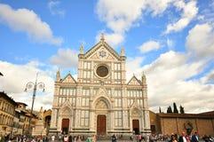 三塔Croce教会在佛罗伦萨市,意大利 免版税库存图片
