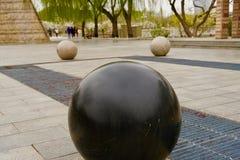 三大理石,一个清楚和两大理石模糊的视觉 免版税库存照片