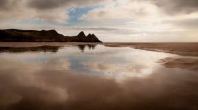 三峭壁海湾的反射 免版税图库摄影