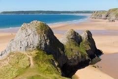 三峭壁海湾Gower威尔士英国在夏天阳光下 库存图片