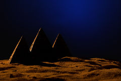 三座金字塔 免版税库存图片