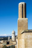 三座钟楼在希罗纳,西班牙 免版税库存图片