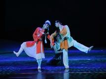 三我们是走的together-The舞蹈戏曲神鹰英雄的传奇 免版税库存照片