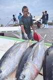 三投斯将军市,菲律宾- 2015年9月5日:渔夫是l 免版税库存照片