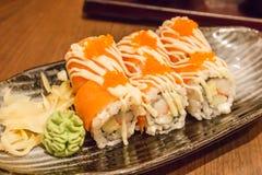 三文鱼卷寿司 免版税库存图片