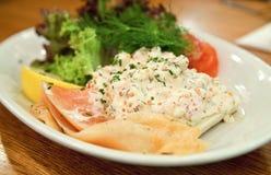 三文鱼和鱼子酱奶油 库存图片