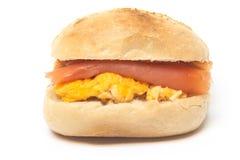 三文鱼小圆面包 库存图片
