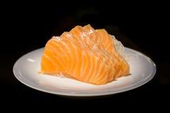 三文鱼生鱼片被隔绝的背景 免版税库存照片