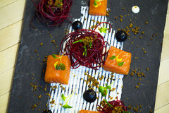 三文鱼用甜菜根 免版税图库摄影