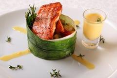 三文鱼用调味汁 库存图片