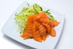三文鱼用黄瓜 免版税库存图片