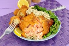 三文鱼en croute膳食 库存图片