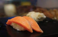 三文鱼Nigiri寿司 库存照片