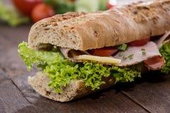 三明治用火腿和干酪 免版税图库摄影