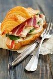 三明治用火腿、咸味干乳酪乳酪和沙拉 库存图片