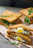 三明治用鲱鱼和鸡蛋 库存照片