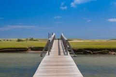 三明治的,马萨诸塞,美国著名镇脖子海滩木板走道 免版税库存照片