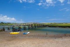 三明治的,马萨诸塞,美国著名镇脖子海滩木板走道 免版税图库摄影