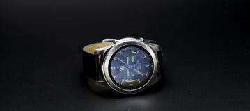三星齿轮S3经典之作Smartwatch 免版税库存照片