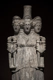 三朝向美丽的妇女罗马亚洲古老雕象在bl 图库摄影