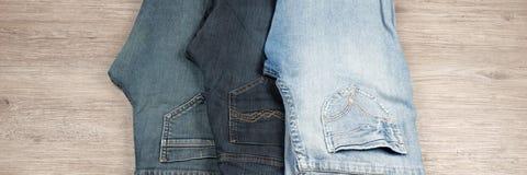 三条不同蓝色牛仔裤 免版税图库摄影