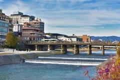 三条桥梁在Kamo河京都日本 图库摄影