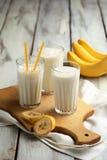 三杯香蕉奶昔 免版税库存图片