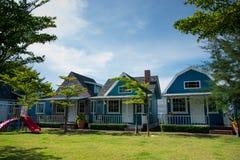 三海滨别墅在假期 免版税库存照片