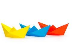 三艘色纸船 免版税图库摄影