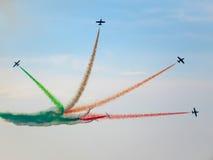 三色箭头飞行表演 Tirrenia,比萨,意大利, 2 9月11日, 库存图片