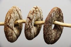 三芬兰圆的黑麦面包 库存照片