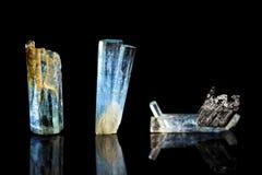三蓝色电气石, Indicolite,黑背景,医治用的sto 图库摄影