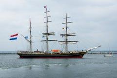 三被上船桅的荷兰飞剪机Stad阿姆斯特丹(市阿姆斯特丹) 免版税库存照片