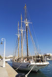 三被上船桅的风船 库存图片