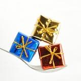 三被包裹的礼品 免版税库存照片