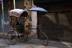三轮车在Thamel加德满都尼泊尔的尼泊尔样式 库存照片