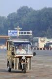 三轮车马达出租汽车在清早,北京,中国 库存照片