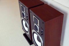 三通的大音频立体声扩音机特写镜头,扩音器pai 库存图片
