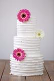 三部分与花的赤裸婚宴喜饼 库存图片