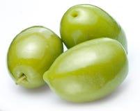 三颗绿橄榄。 免版税库存照片