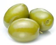 三颗绿橄榄。 库存照片