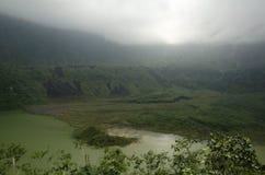 登上加隆贡火山 免版税库存图片