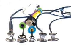 上升使用的被排行的准备好的听诊器 库存照片