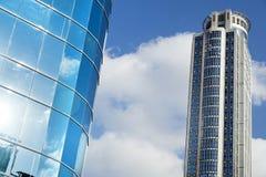 摩天大楼&一部分的办公楼 免版税库存照片