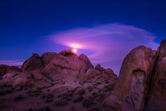 上升在阿拉巴马小山加利福尼亚的月亮 库存图片