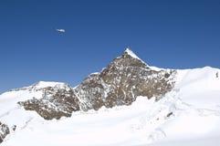 上升的冰川全景 免版税库存照片