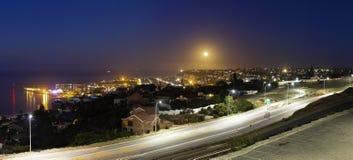 上升的月亮全景  库存图片